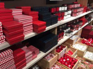 デンマーク発プチプラ雑貨ブランド「Søstrene Grene」のバレンタインラッピングコレクション。